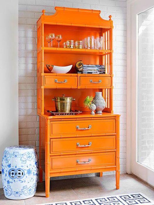 Оранжевый сервант