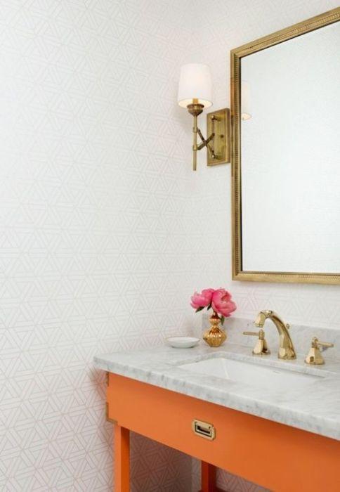 Мандариновый акцент в ванной