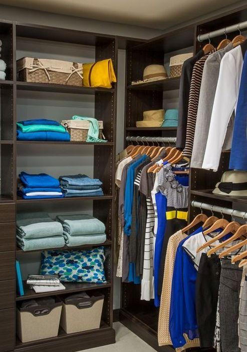 Пример того, как хранить вещи в гардеробной