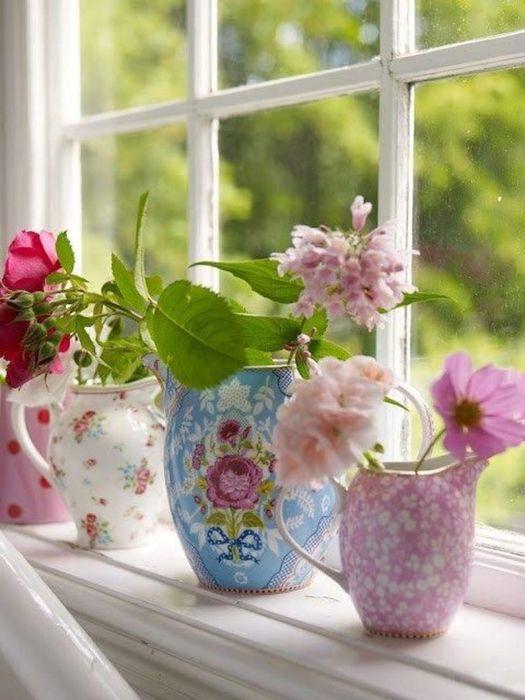 Цветы освежат интерьер в любое время года