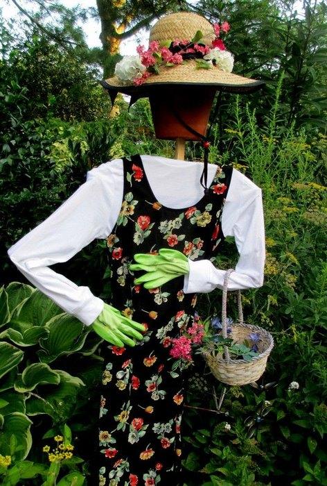 Реалистичное огородное пугало