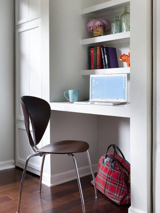 Для домашнего офиса можно использовать небольшую нишу