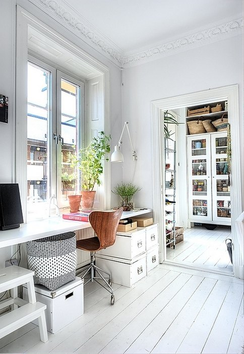Домашний офис на подоконнике