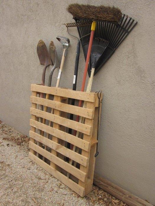 Подставка для садового инвентаря своими руками