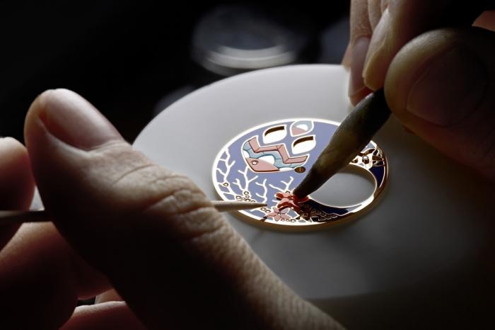 Процесс создания драгоценных часов