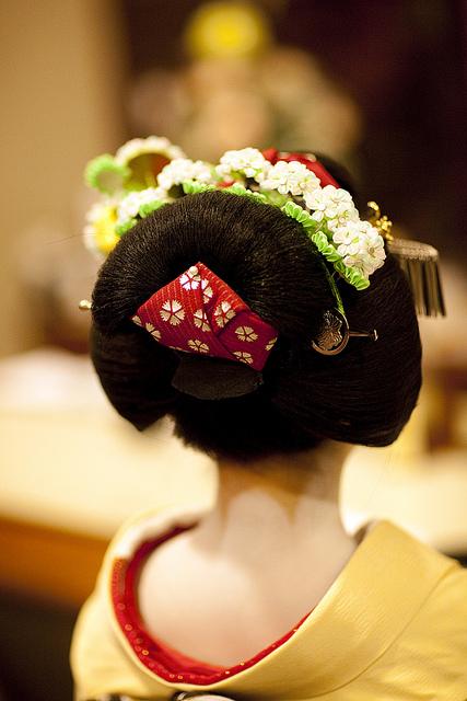 Традиционная японская причёска.
