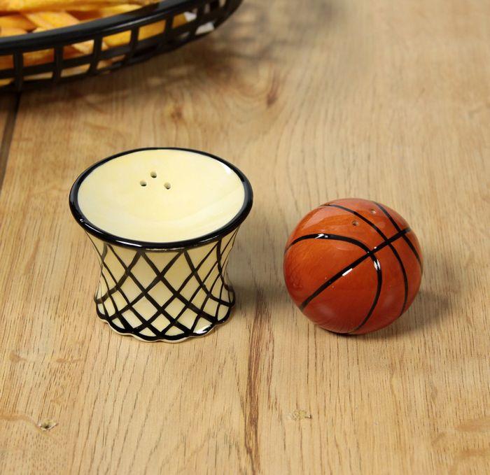 Посуда в доме баскетболиста