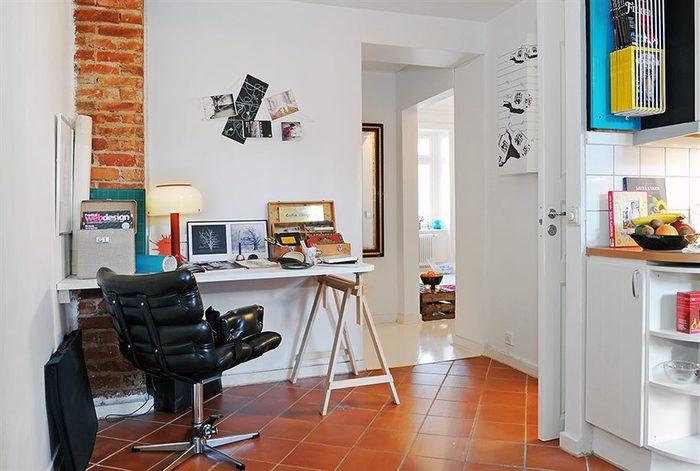 В квартире нашлось место и для домашнего офиса