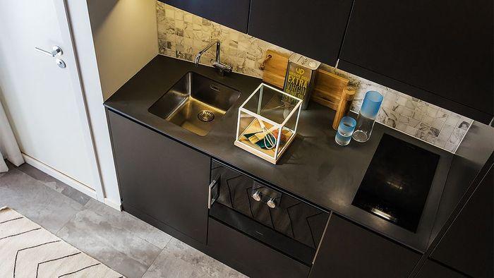 Кухня в чёрном цвете