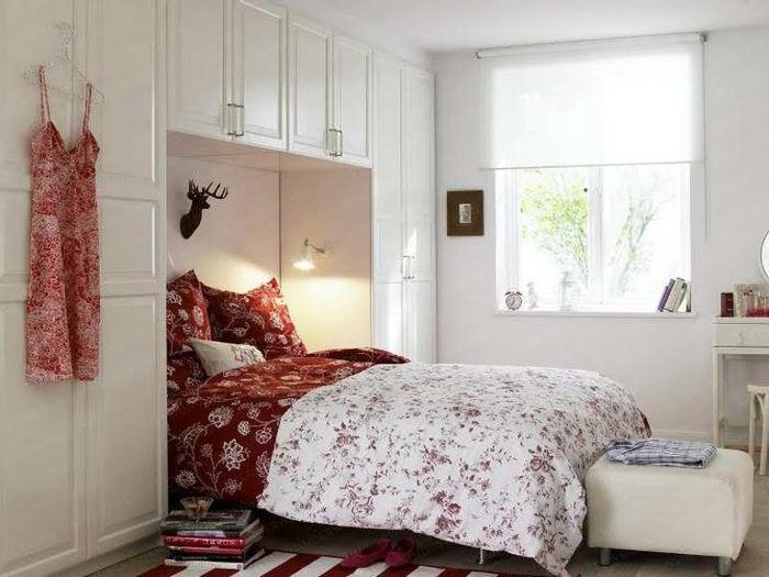 Достаточное освещение в спальне