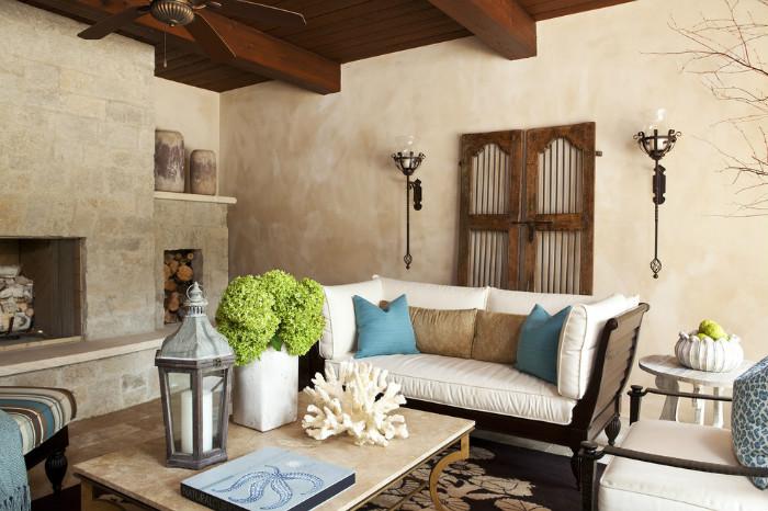 Средиземноморский стиль идеально подходит для частного дома