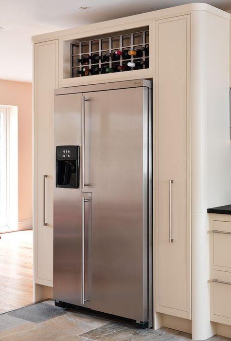 Хранение вина над холодильником