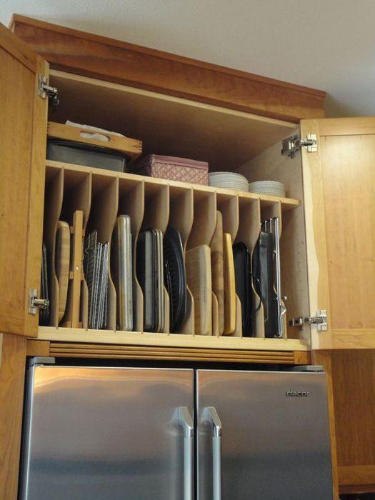 Компактный шкаф для хранения кухонной утвари