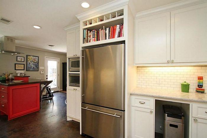 Книжная полка над холодильником