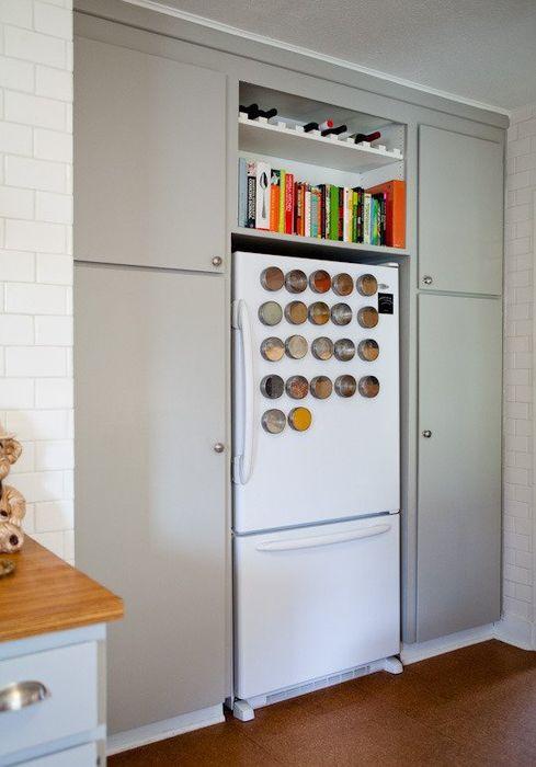 Хранение книг над холодильником