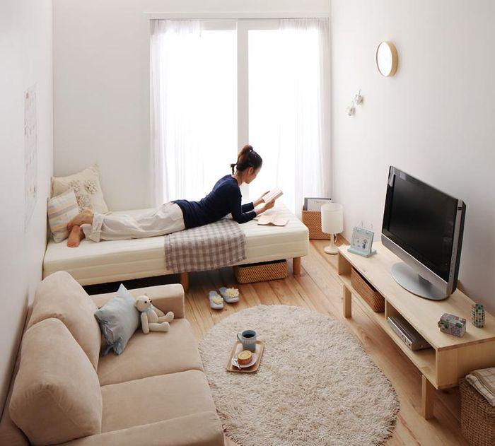 Очень маленькая гостиная-спальня