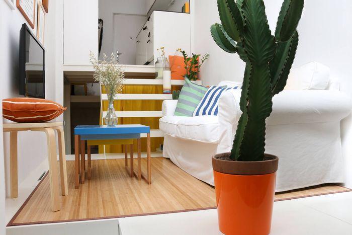 Как превратить тесную малогабаритку в многофункциональное и удобное жильё: 21 квадратный метр в Мадриде