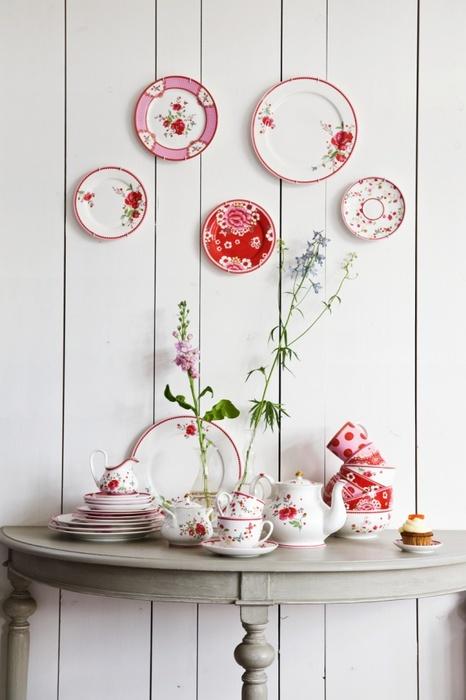 Тарелки уместны в деревенских стилях