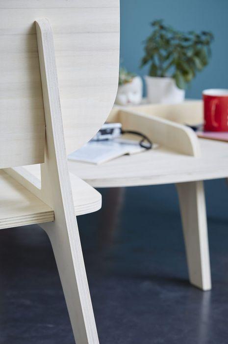 Для складання меблів не використовуються цвяхи або клей