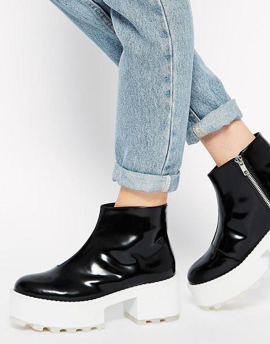 Стильная лакированная обувь на тракторной подошве