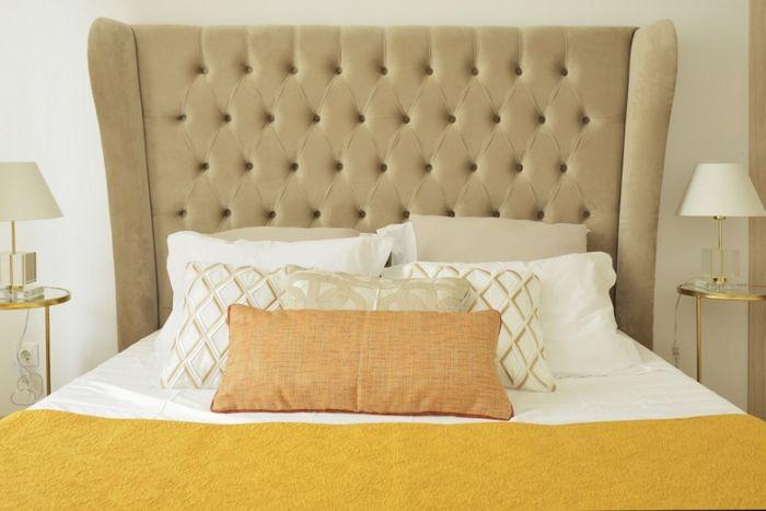Стильное мягкое изголовье кровати