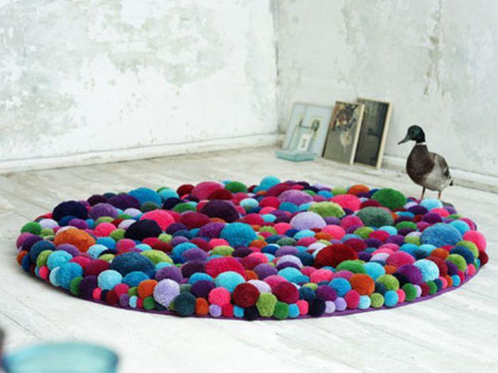 mullida alfombra de pompones