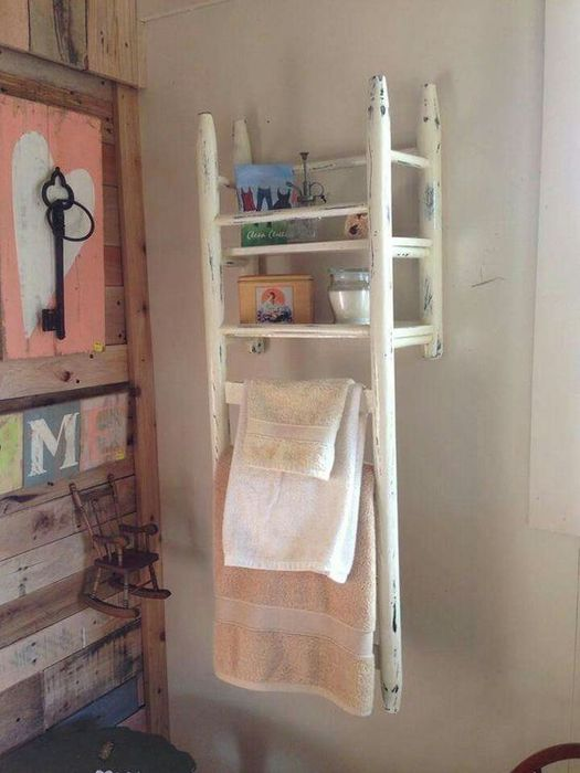 Стильный полотенцедержатель
