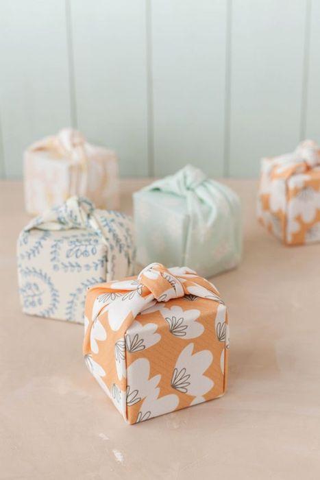 Тканевые упаковки для подарков