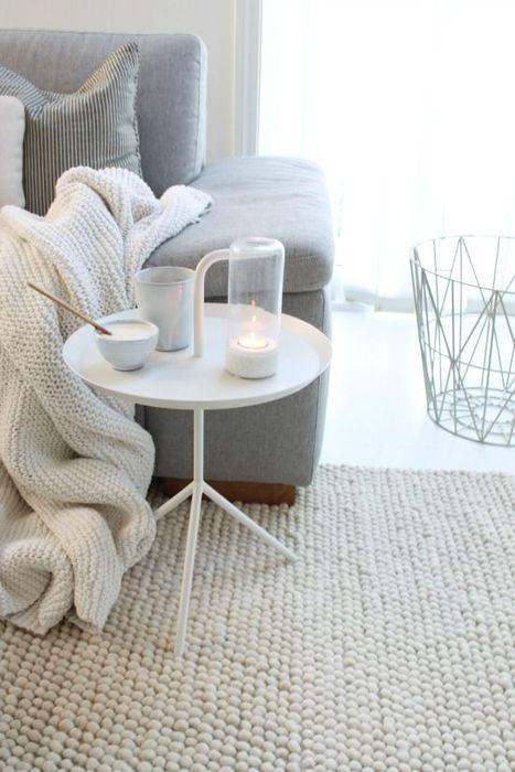 Шерстяной ковёр в зимнем интерьере