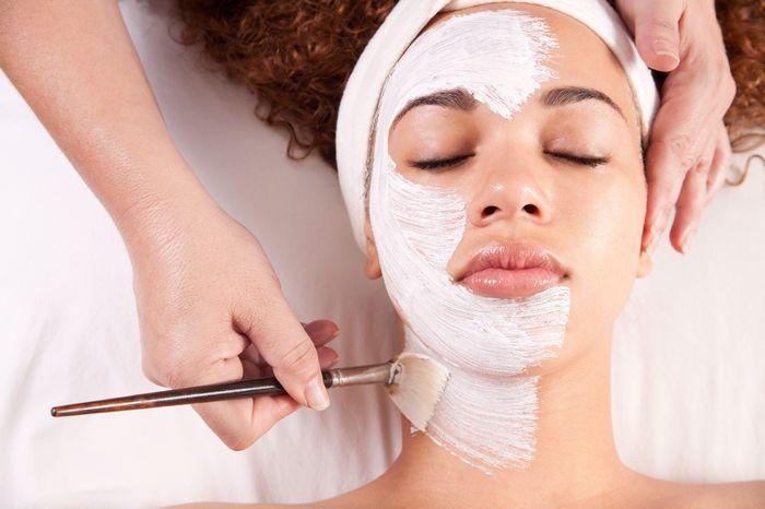 Периодически посещать косметолога
