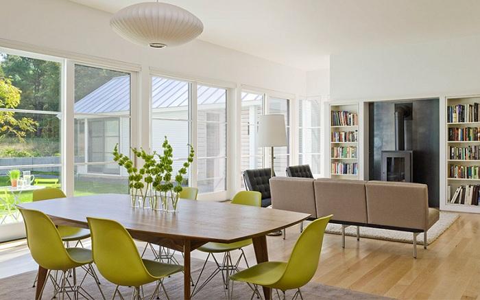 Отменный современный дизайн стульев в столовой - это удачное дизайнерское решение.