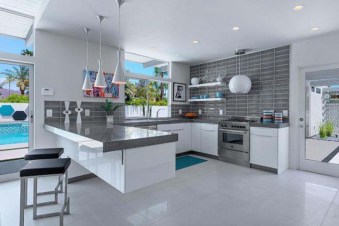 Футуристическое оформление кухни в серых тонах, порадует глаз и очарует.