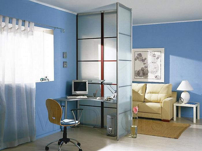 Хороший приклад вдалого зонування простору, що створить комфортну обстановку.