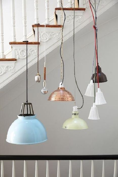 Оригинальное решение создать такое необыкновенное собрание светильников, что непременно понравится.