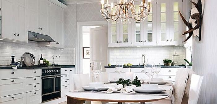 Шикарный и просто отличный интерьер кухни станет просто сокровищем для любителей современных ноток в дизайнерских решениях.