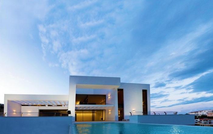 Жемчужина Средиземноморья от архитектора Карлоса Жилярди.