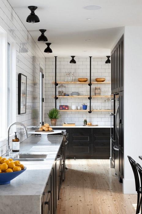Потрясающий и незабываемый промышленный стиль, который создаст просто необыкновенную обстановку на кухне.