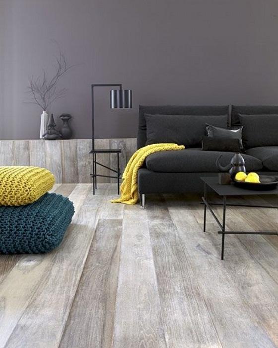 Крутое решение для декорирования гостиной в минималистическом стиле с применением желто-серых тонов.