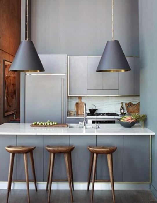 Хорошенькая мини-кухня в оригинальном сером цвете, что вдохновит.