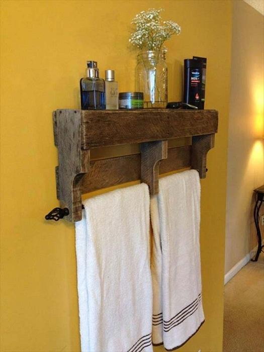 Крошечный европоддон - один из самых удачных практических и функциональных идей для ванной комнаты.
