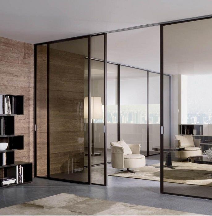 Оптимальное решение создать интересный интерьер с полупрозрачными дверьми, которые станут украшением для интерьера.
