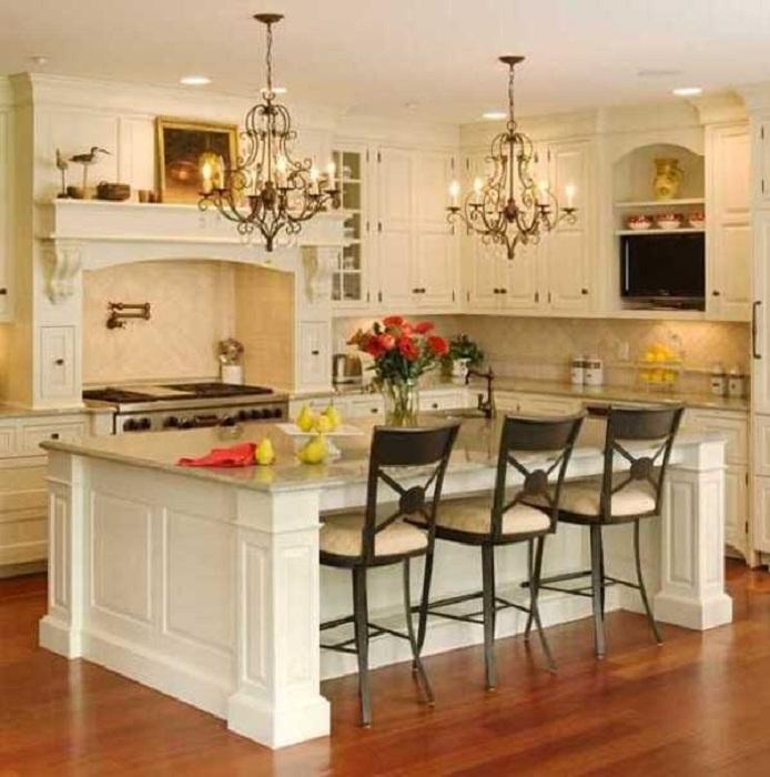 Интересные стулья, которые создали прекрасную атмосферу на кухне.
