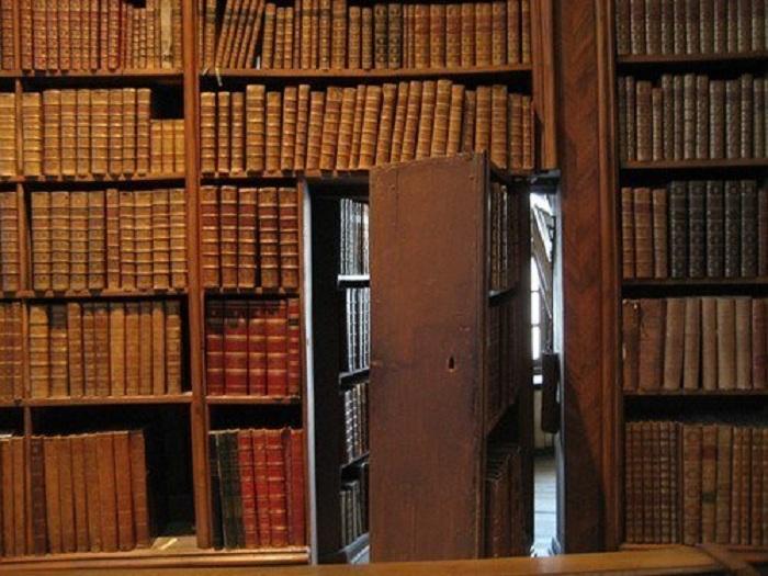 Потайная комната скрыта за стеной, создает невероятное впечатление.