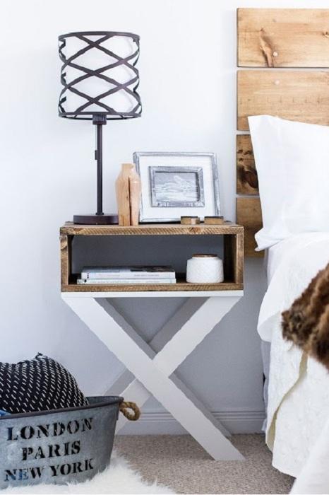 Тумба с ножками в виде Х - креативное и милое решение при оформлении дизайна комнаты.