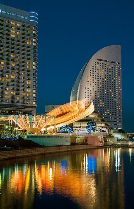 Иокогама - крупнейший портовый город Японии, административный центр префектуры Канагава. Имеет сильную экономическую базу, представленную в основном морским транспортом, а также биотехнологической и полупроводниковой индустриями.