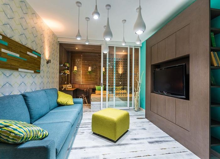 Кращий приклад успішного зонування простору в будинку завдяки розміщенню прозорим скляним перегородки.