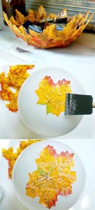 Просто крутой и прекрасный вариант оформления осенней вазы с применением очень ярких и необычных листьев.
