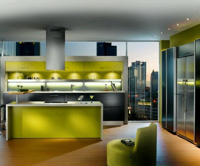 Кухня в зеленоватом цвете оформлена в современном стиле.