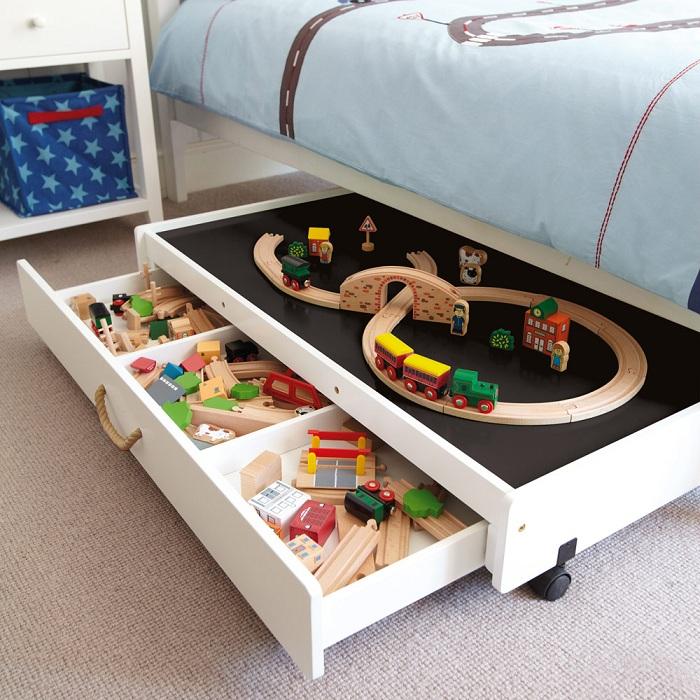 Игрушки будут спать с ребёнком в буквальном смысле.