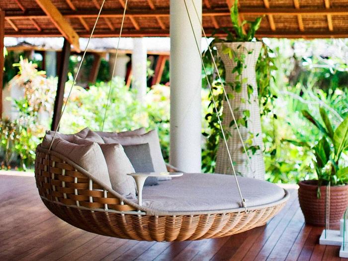 Кровать, которая просто плавает в воздухе, вдохновляет и является прекрасным дополнением к общей обстановке.